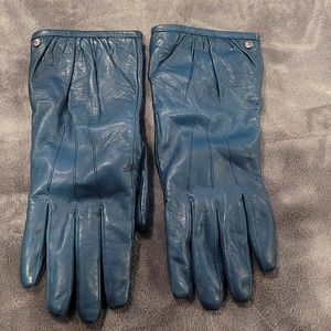 Coach leather gloves lined in Cashmere